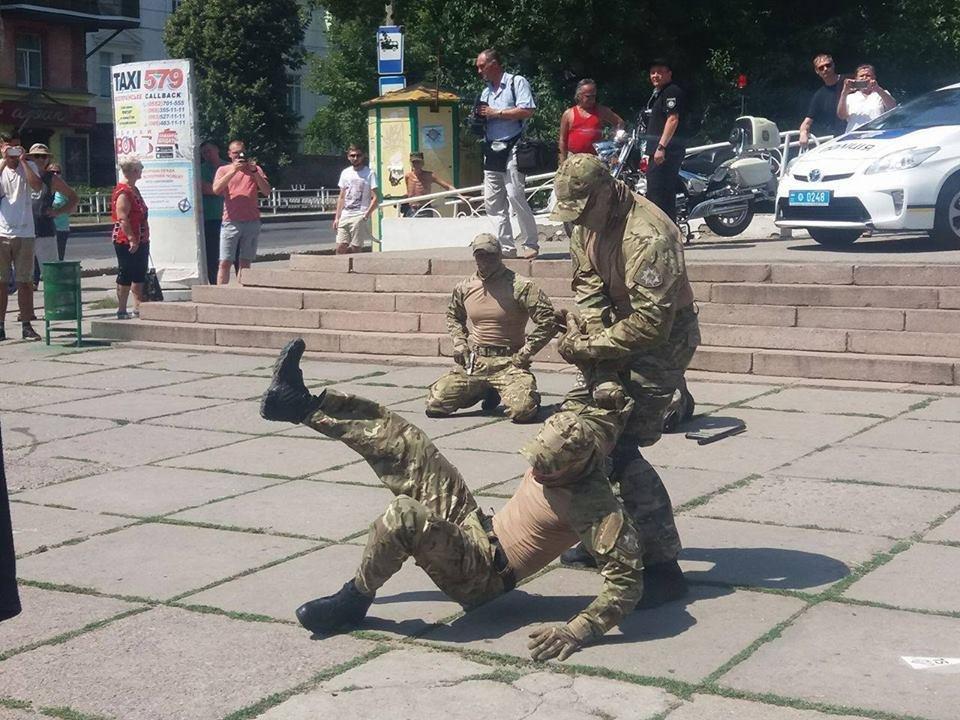 У Херсоні відбулися урочистості з нагоди Дня Національної поліції України, фото-4