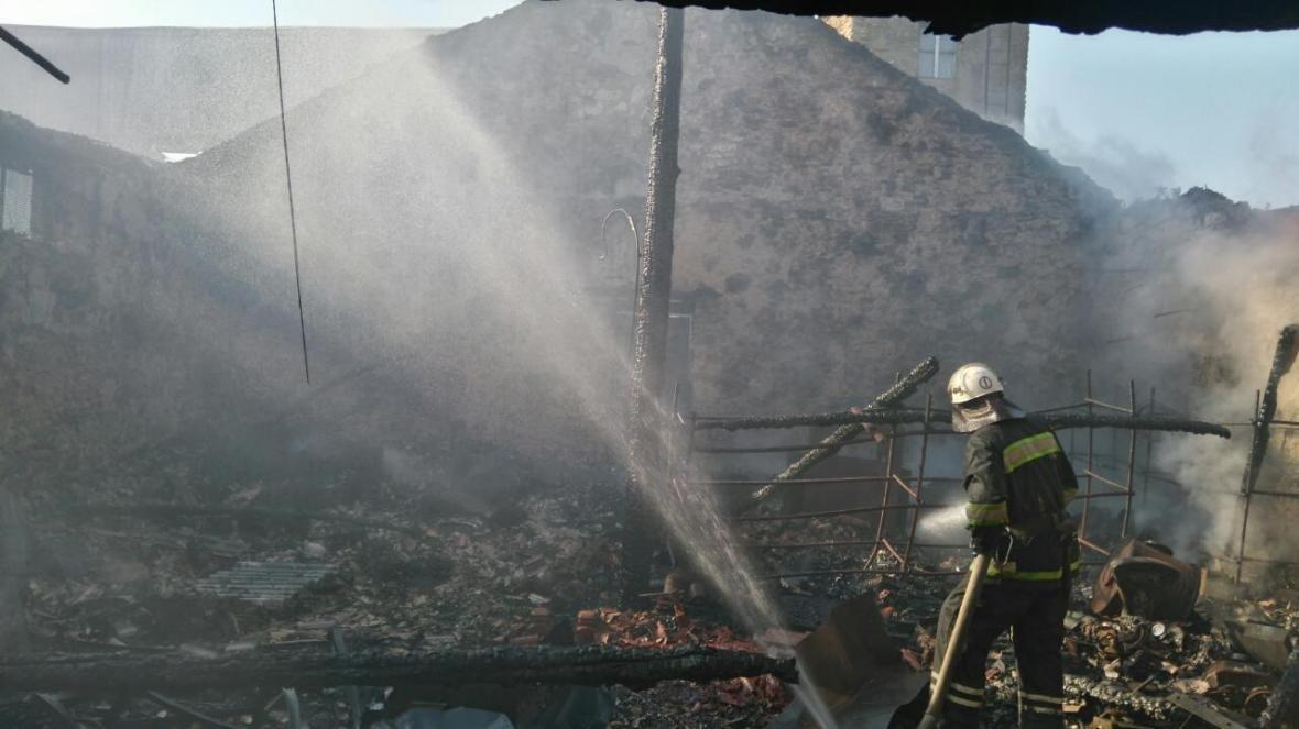Рятувальники ліквідували пожежу складського приміщення на ТОВ «Бериславський зерновий термінал»., фото-1