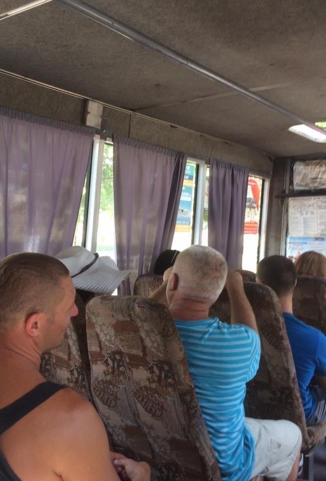 Херсонці у транспорті ігнорують норми етикету, фото-3