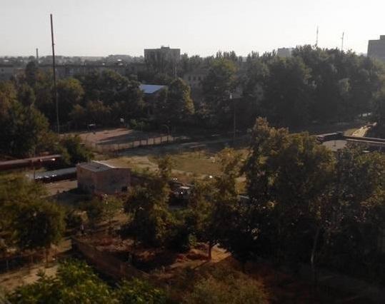 Власти райцентра Херсонщины начали убирать стихийную свалку. Не обошлось без скандала, фото-3