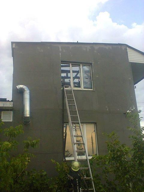Рятувальники ліквідували пожежу у приватному будинку, фото-1