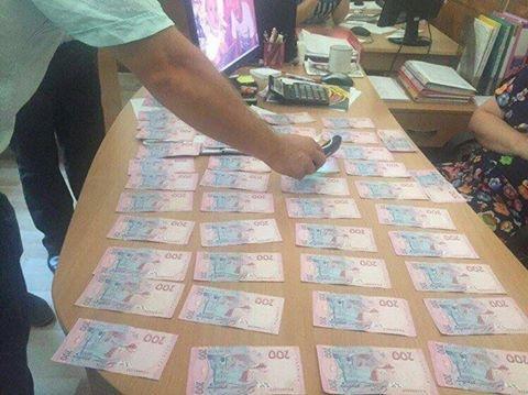 На Херсонщине очередное задержание чиновников-взяточников, фото-1