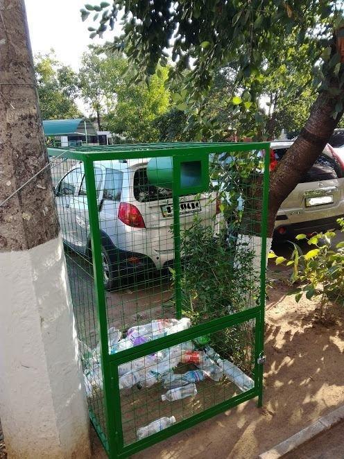У Херсоні продовжують встановлювати контейнери для збору пластикових пляшок, фото-1