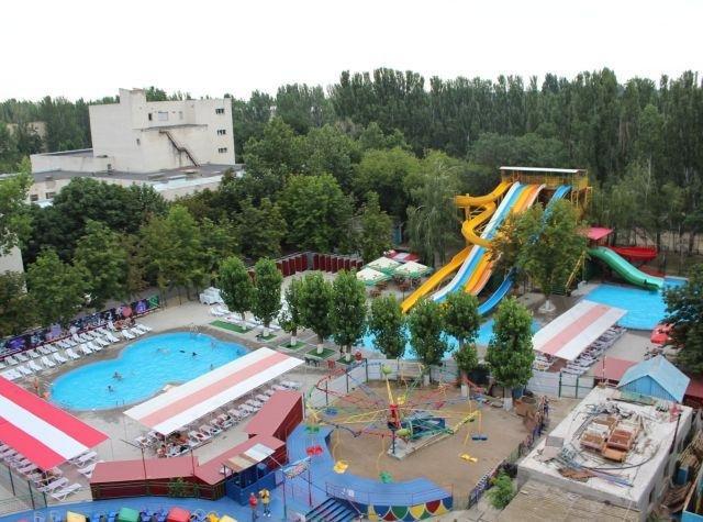 На Херсонщине в аквапарке произошел несчастный случай, фото-1