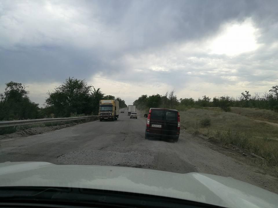 Херсонщина встречает автомобилистов ужасными дорогами, фото-2
