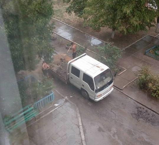 """Херсонские дорожники снова применили технологию """"мокрого асфальта"""", фото-1"""