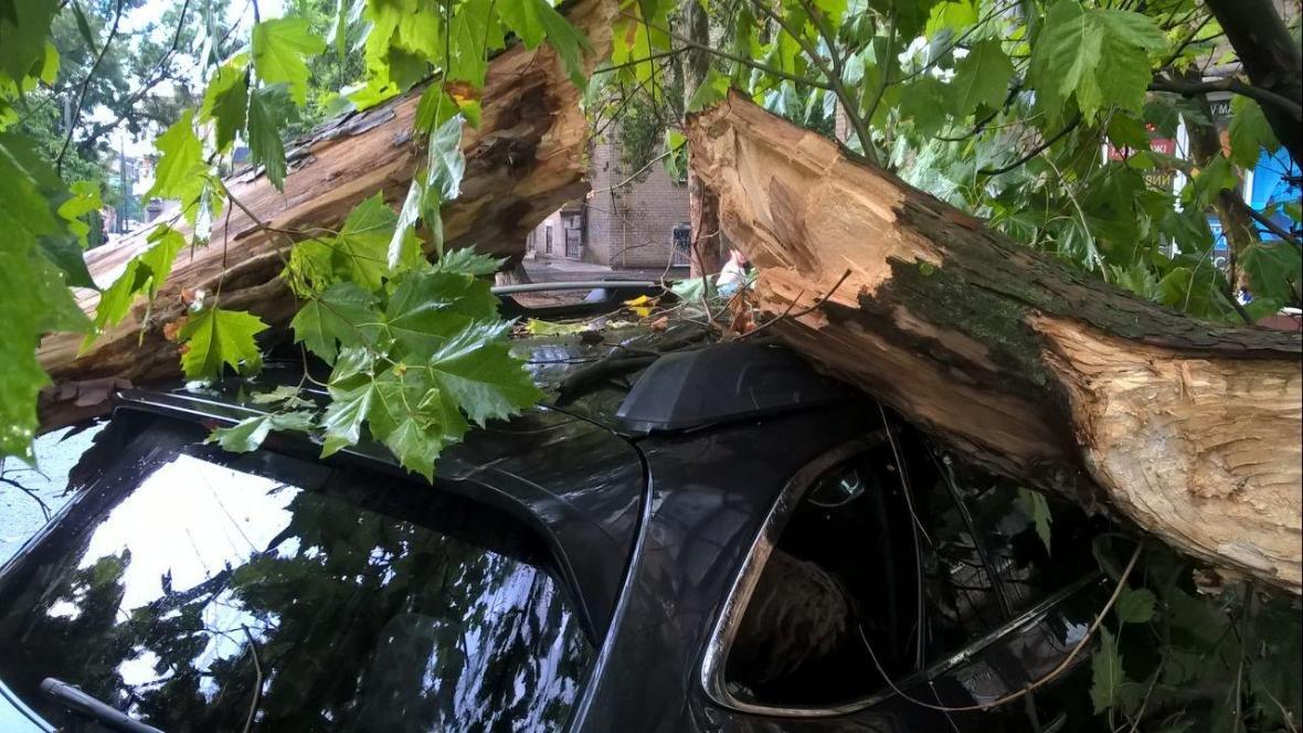 Херсонські рятувальники ліквідовували наслідки нагоди, фото-2