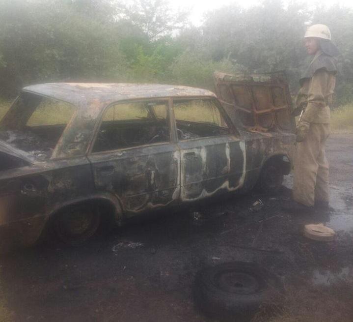 Вчора рятувальники двічі гасили палаючі автомобілі., фото-1