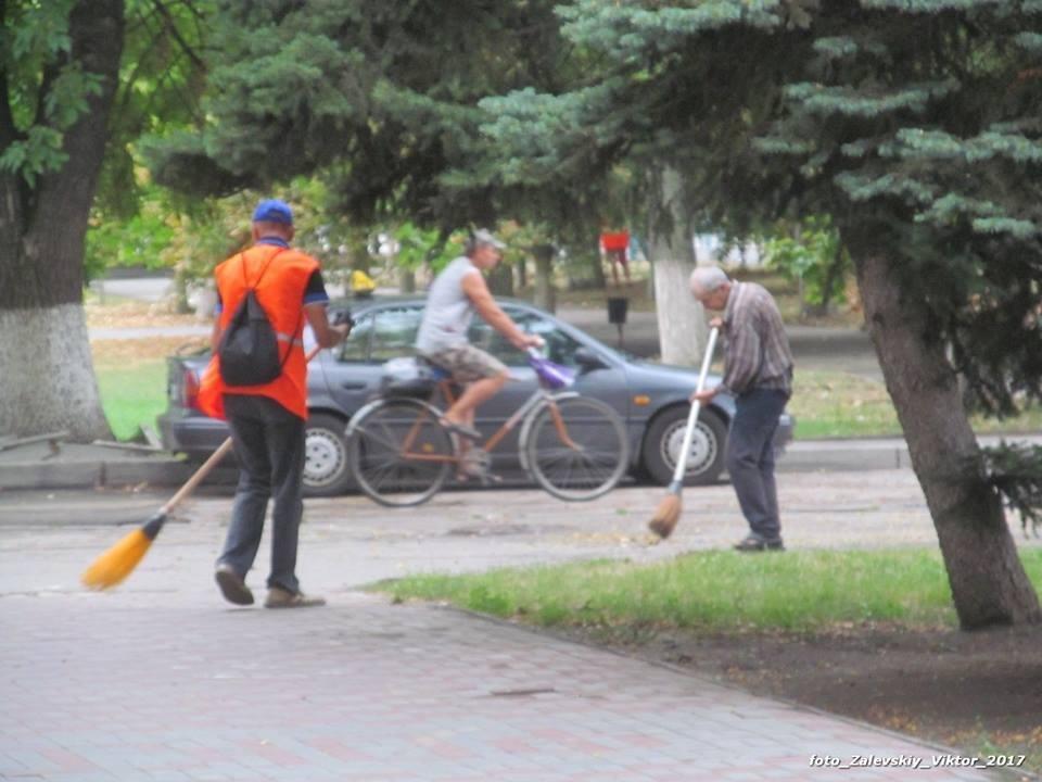 Приезд Гройсмана вызвал небывалую активность херсонских коммунальщиков, фото-2