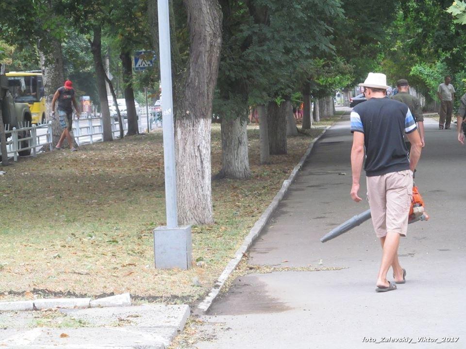 Приезд Гройсмана вызвал небывалую активность херсонских коммунальщиков, фото-4