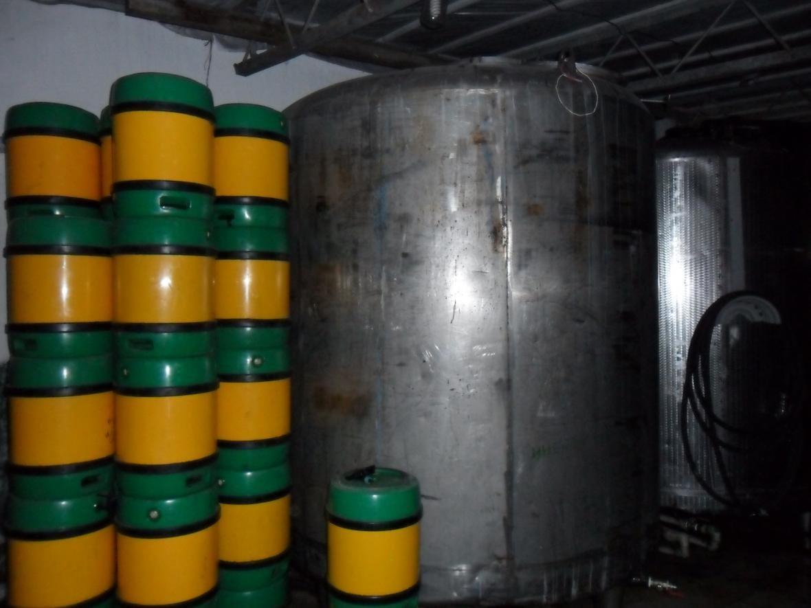 На Азові викрито підпільну міні–пивоварню  , фото-2