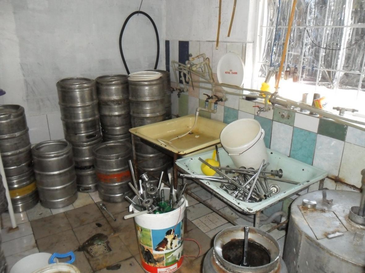 На Азові викрито підпільну міні–пивоварню  , фото-3