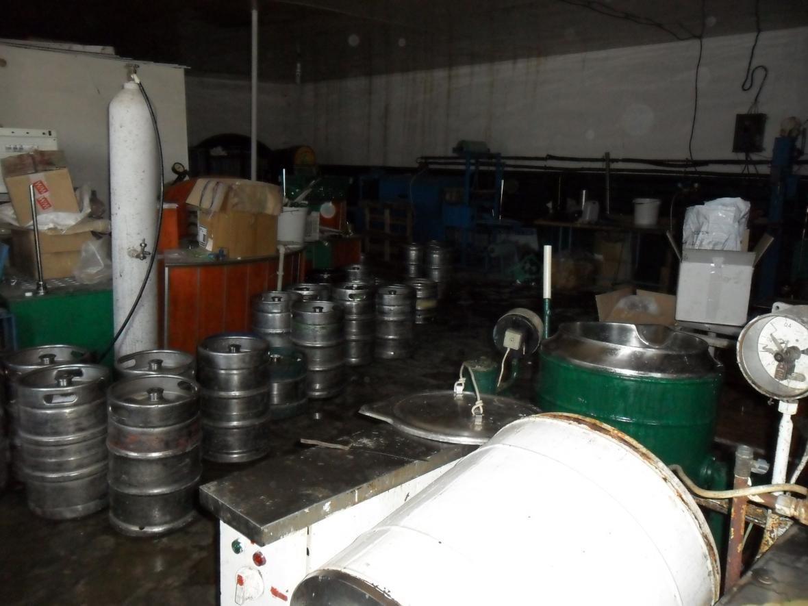 На Азові викрито підпільну міні–пивоварню  , фото-1