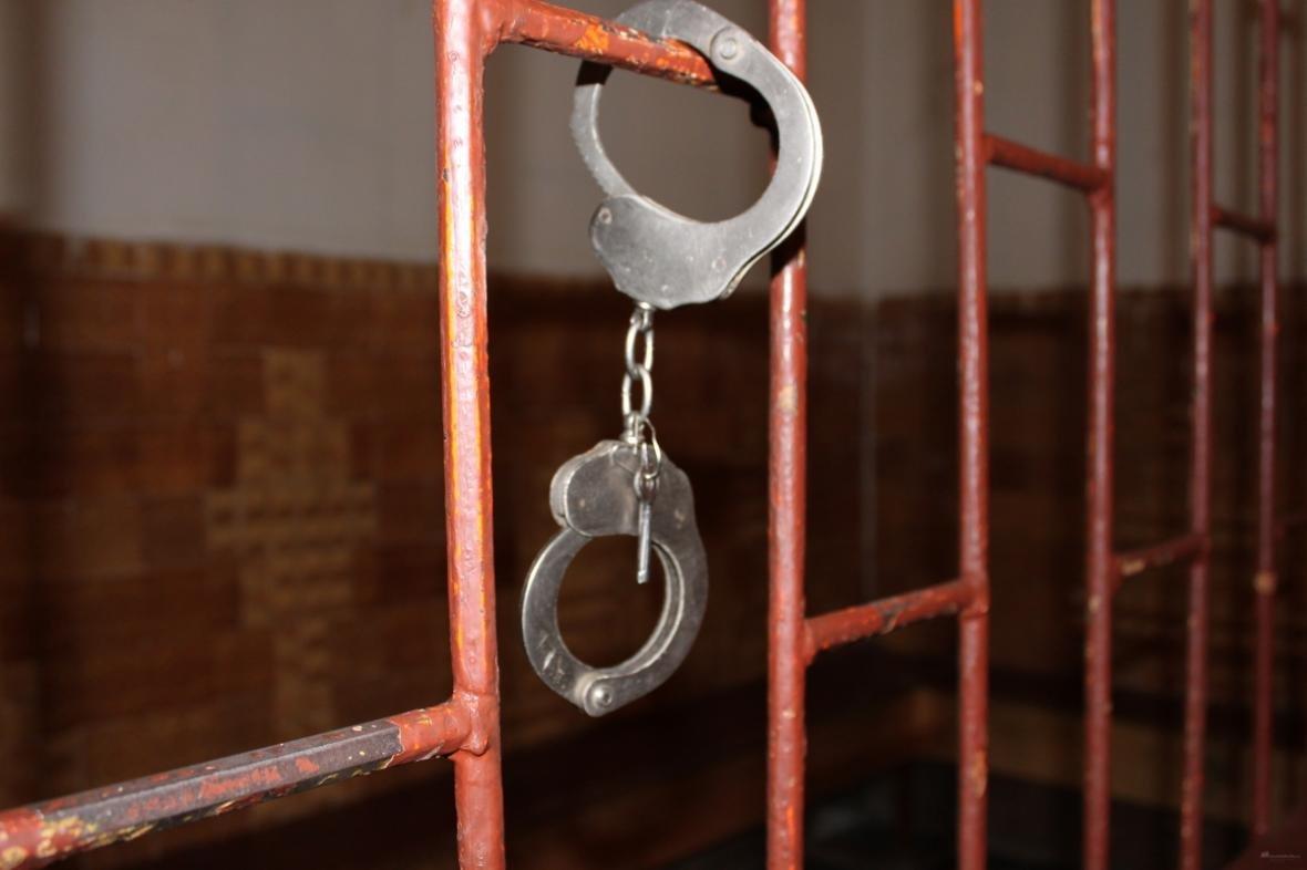 За скоєння розбійних нападів херсонця засуджено на 7 років позбавлення волі, фото-1