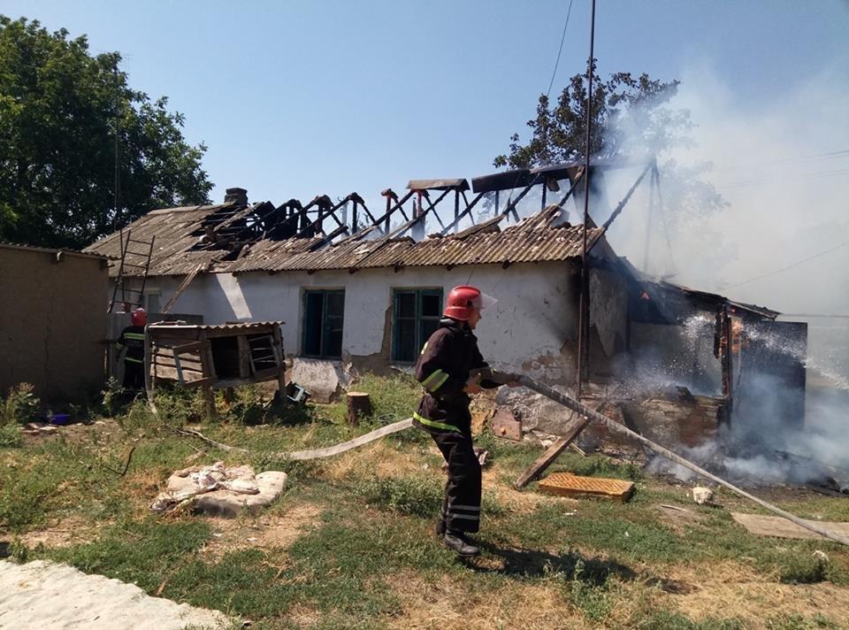 На Херсонщині палав приватний будинок, фото-2