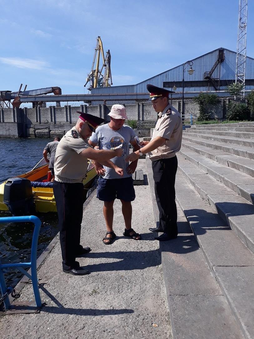 Рятувальники продовжують проводить рейди по водних об'єктах, фото-1