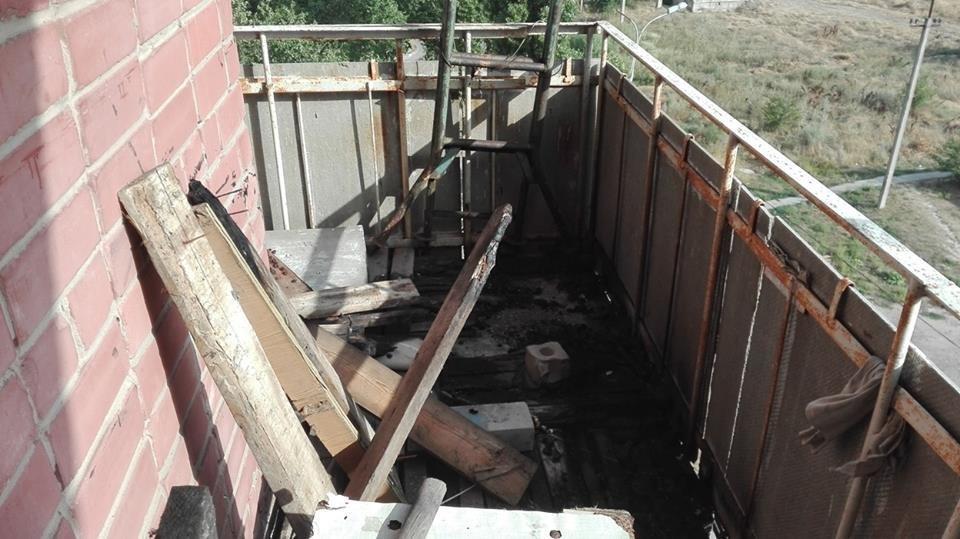 У Херсоні рятувальники гасили балкон, фото-1