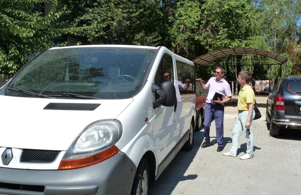 В Херсон прибыл первый спецавтомобиль службы «Социального такси», фото-1