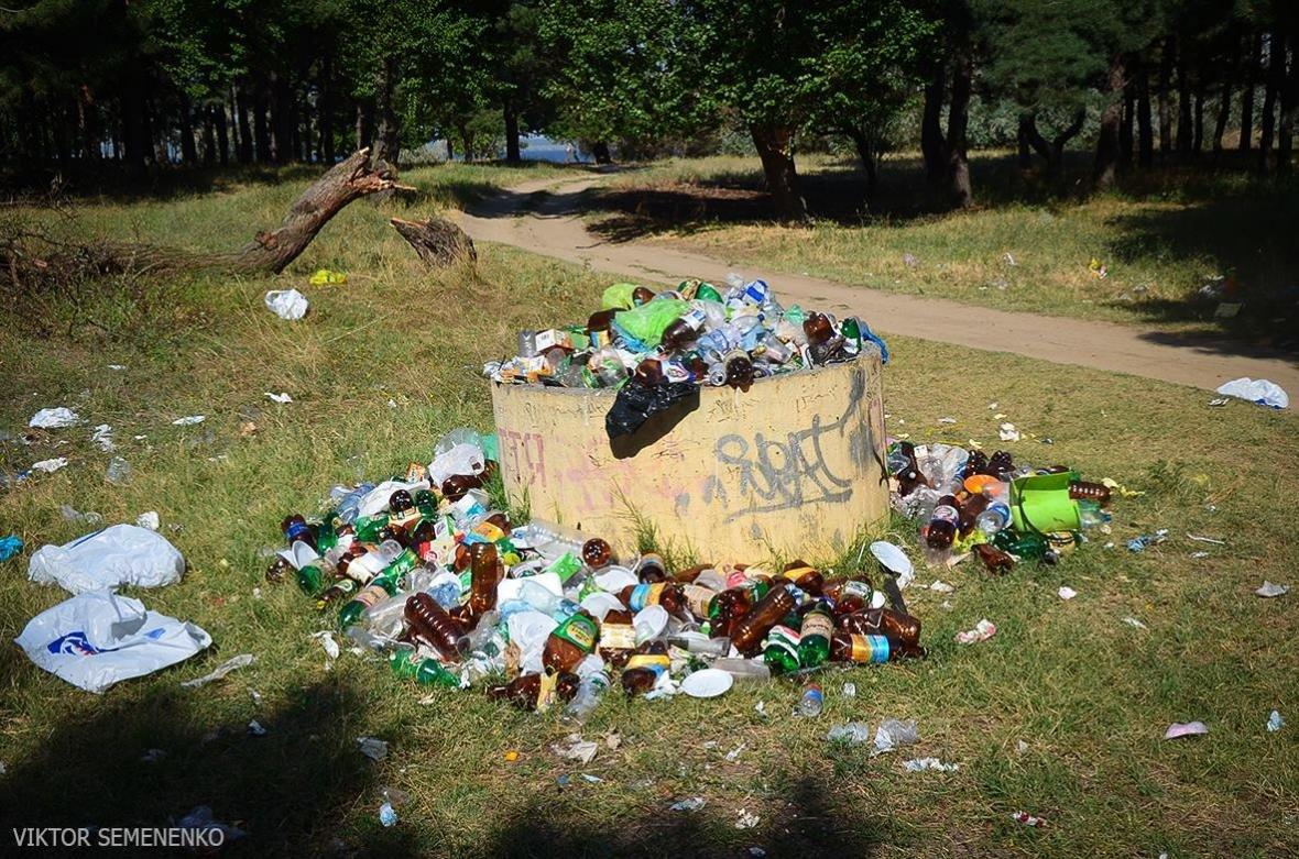 На Херсонщине, готовясь к празднику, забыли про вывоз мусора, фото-1