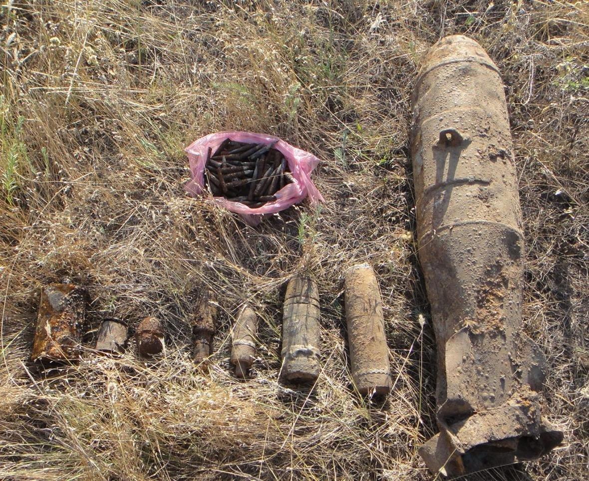 Вчора піротехніки знищили 72 боєприпаси часів Другої світової війни, фото-1
