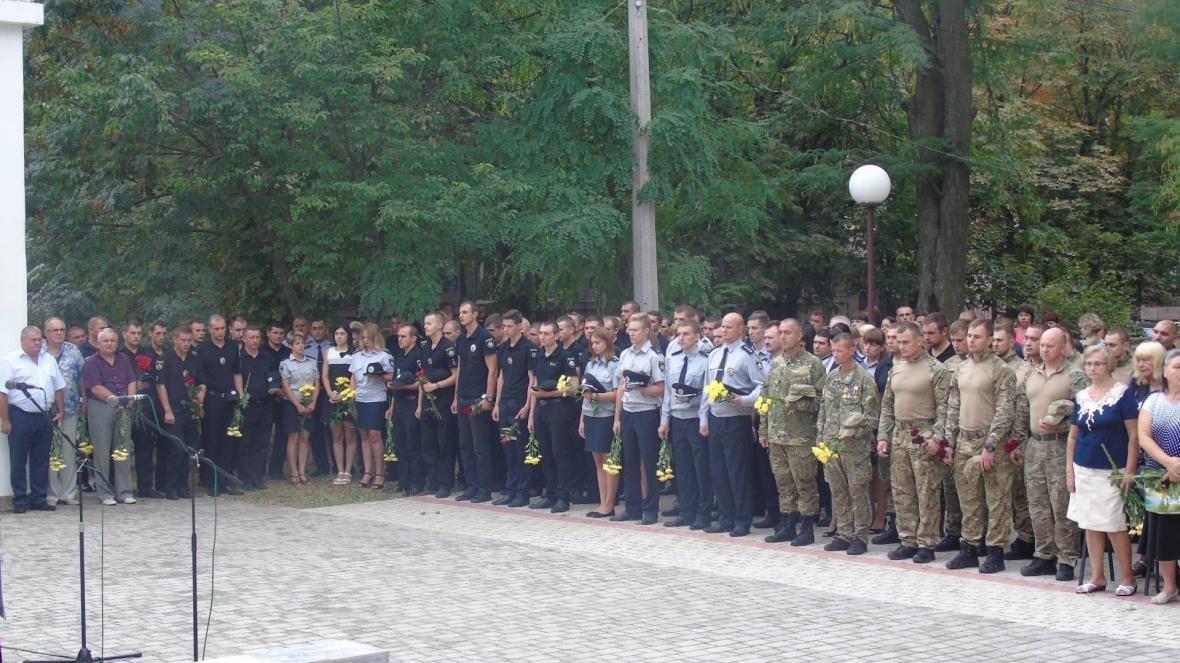 У Херсоні вшанували пам'ять працівників органів внутрішніх справ, які загинули при виконанні службових обов'язків, фото-1