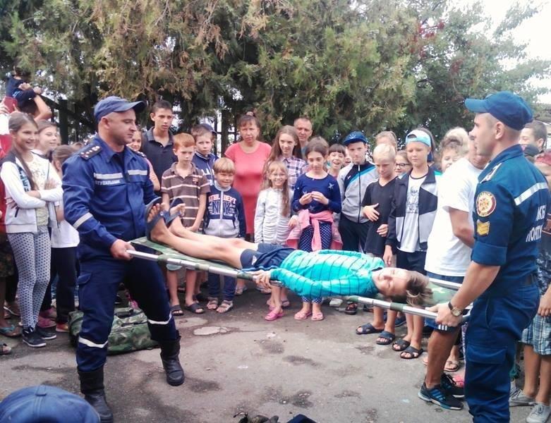 """У """"Безпечне літо"""" з рятувальниками відправилися діти в оздоровчому таборі на Чорноморському узбережжі, фото-3"""