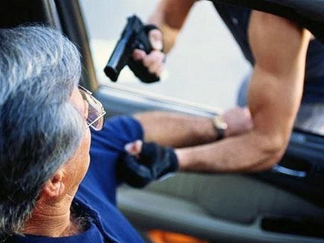 На Херсонщині поліцейські затримали підозрюваних у розбійному нападі на водія таксі, фото-1