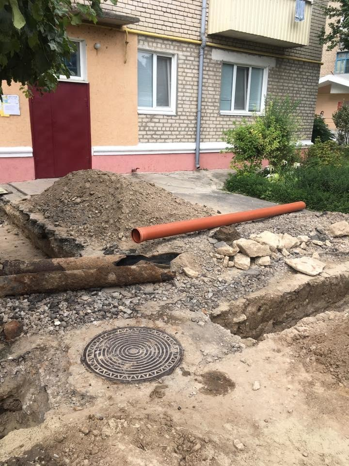 В Херсонской области предприниматель за свой счет ремонтирует городские сети, фото-1