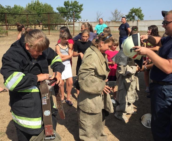 Рятувальники Херсонщини провели громадську акцію для дітей, фото-2