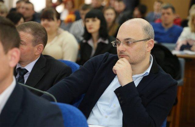 Депутат Херсонского горсовета требует разорвать договор с подрядчиком работ в школе №26, фото-1