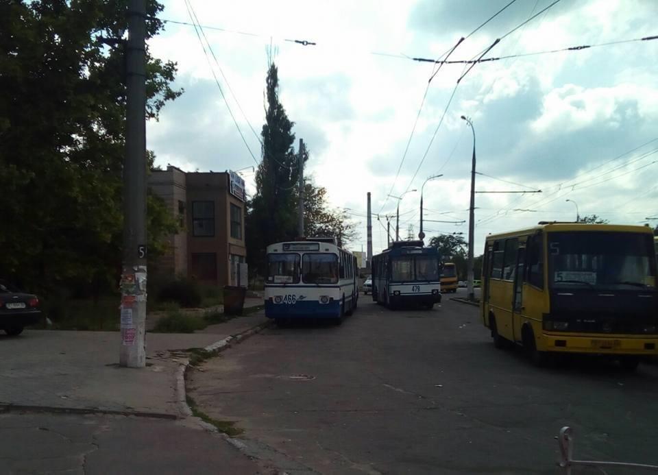 В Херсоне проблема с троллейбусами?, фото-1