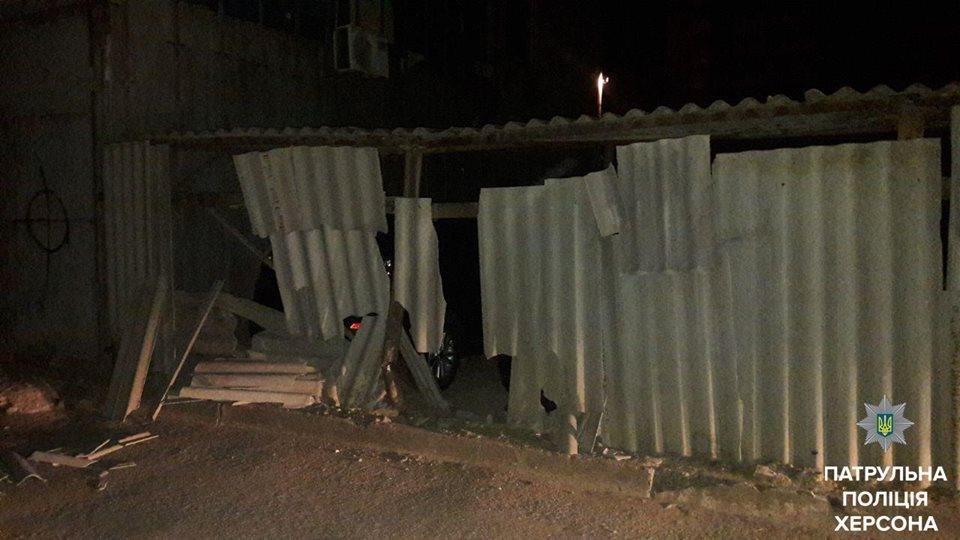 У Херсоні нетверезий водій пошкодив 5 автомобілів, фото-1