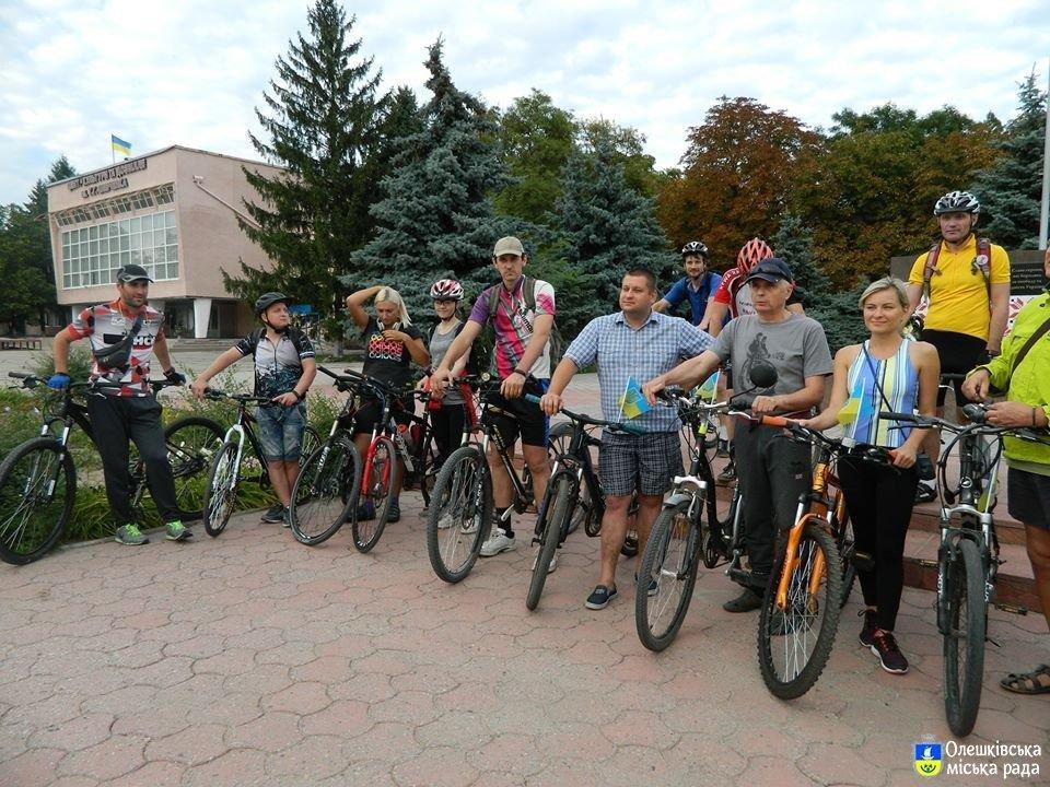 В Олешках відбувся велопробіг по визначним місцям, фото-1