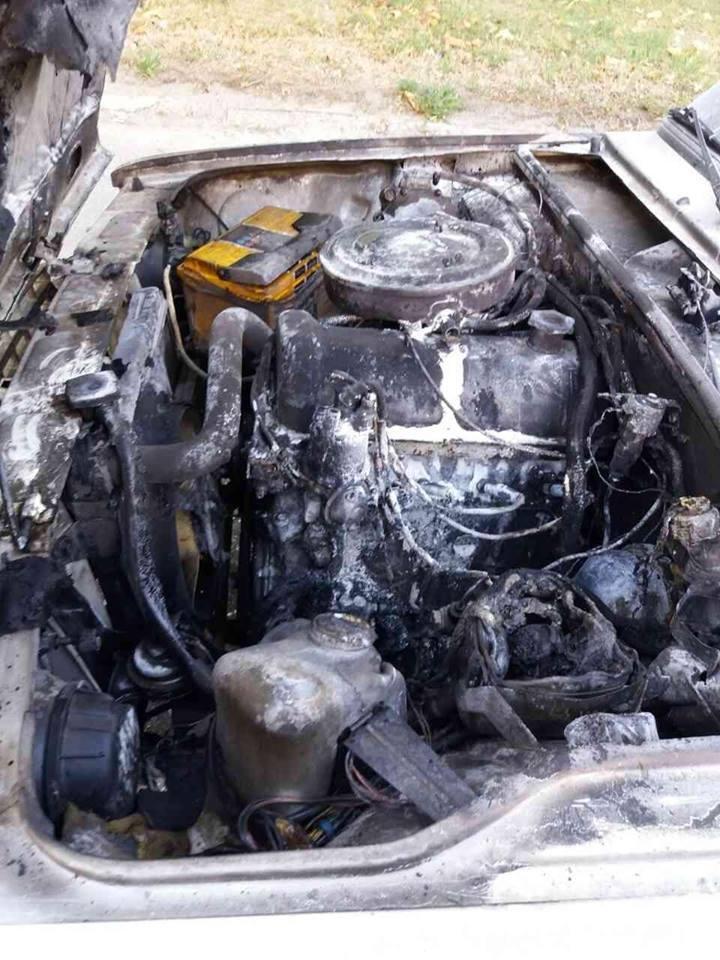 Вогнеборці Корабельного району загасили легковий автомобіль, фото-1