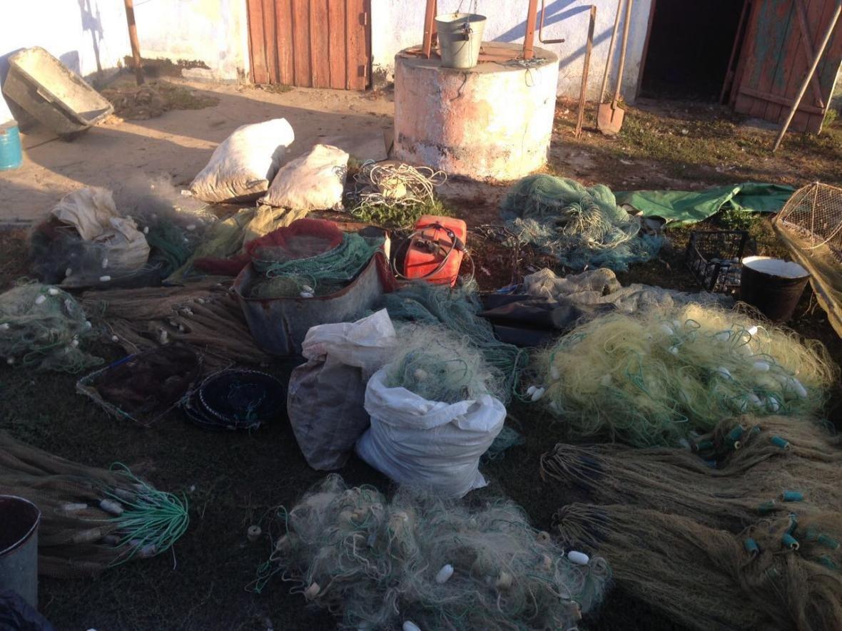 Прикордонники виявили інспекторів рибоохоронного патруля, які займались браконьєрською діяльністю, фото-2