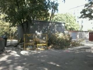 В Херсоне кучи мусора лежат прямо рядом с баками, фото-1