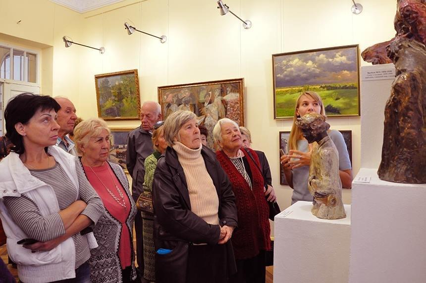 У Херсонському музеї відбулась благодійна екскурсія, фото-2