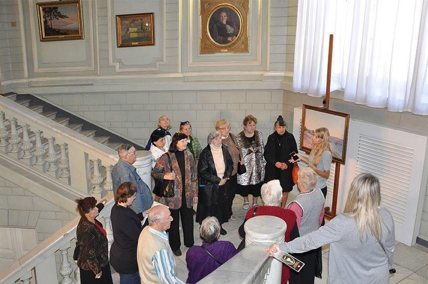 У Херсонському музеї відбулась благодійна екскурсія, фото-1