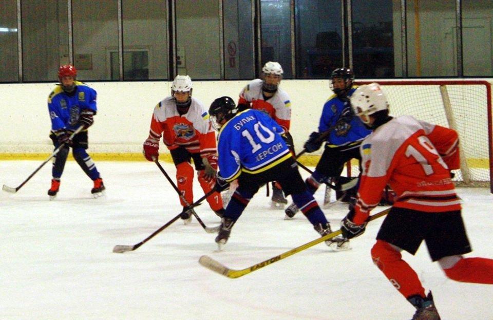 Хоккейный сезон в Херсоне, фото-1