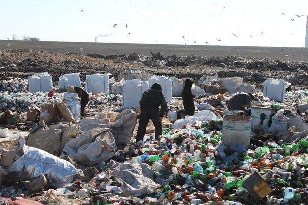 Над Херсоном сгущаются «мусорные тучи». Что дальше?, фото-1