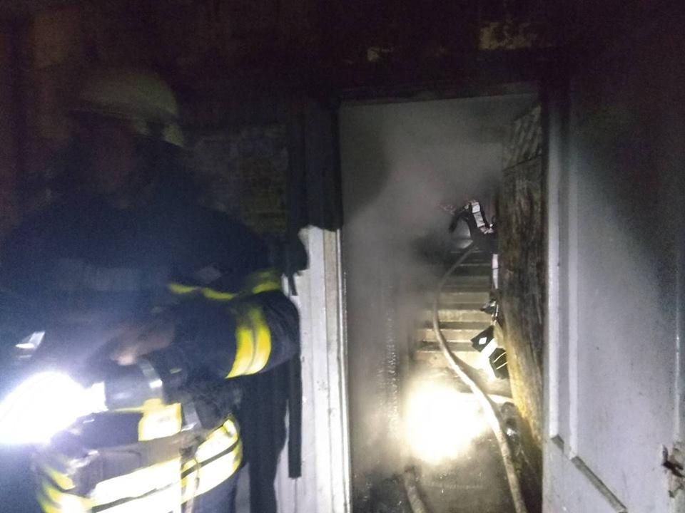 Пожежу у Херсоні загасили рятувальники, фото-1