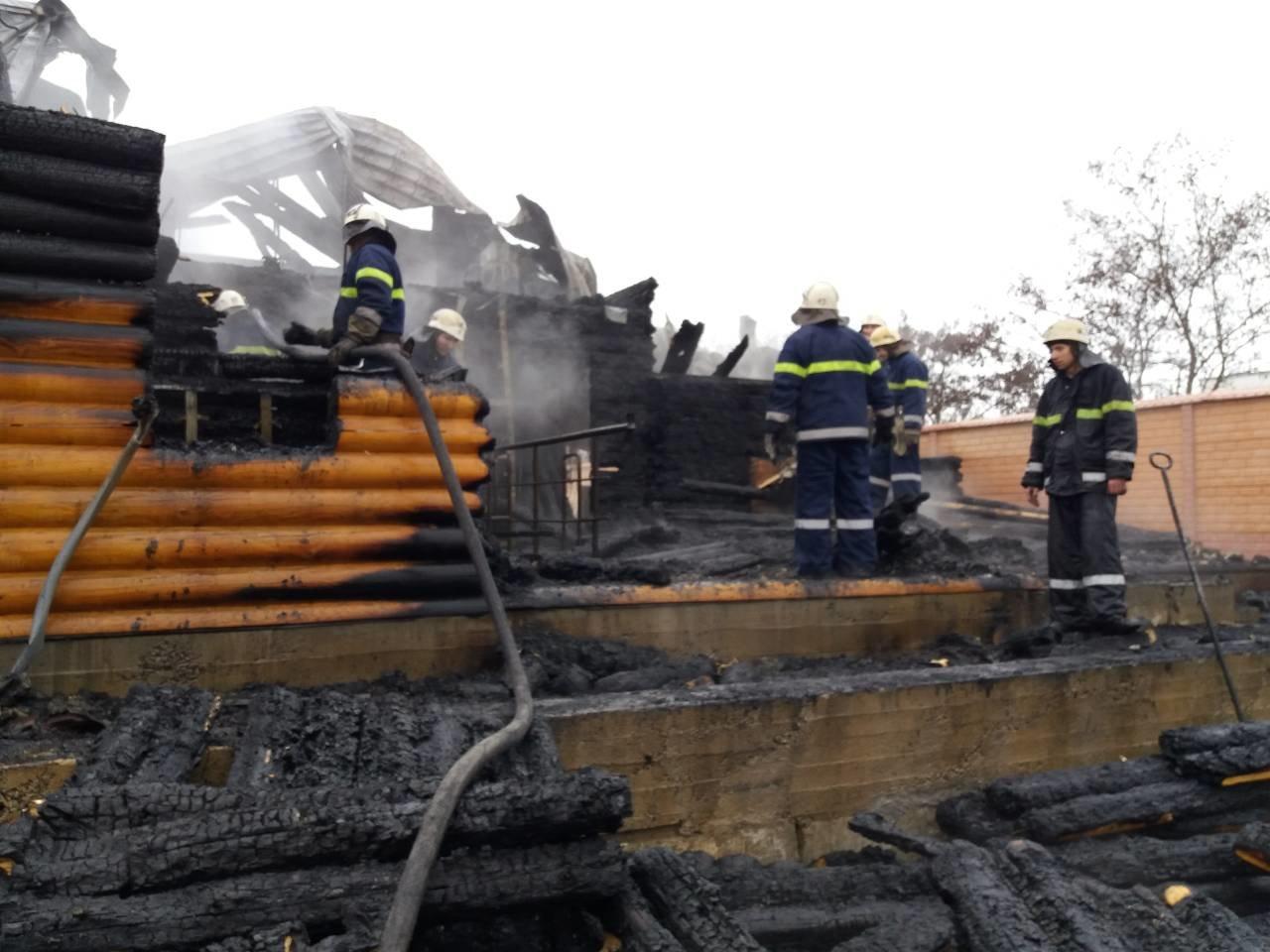 У Новій Каховці рятувальники ліквідували пожежу у приватному будинку, фото-1