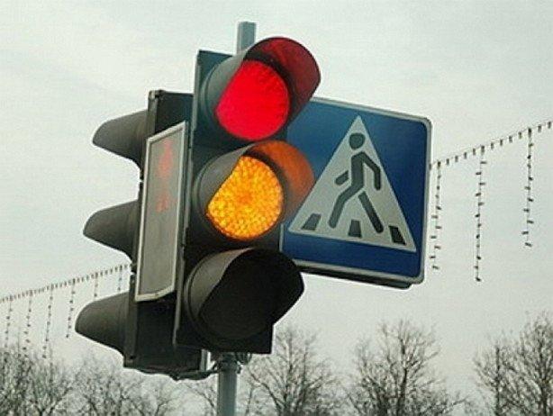 Херсонцы требуют установить светофор на аварийном перекрестке , фото-1