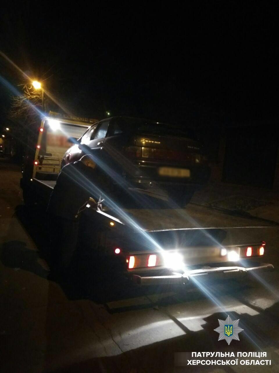 Патрульні евакуювали автомобіль водія, який вдруге сів за кермо напідпитку, фото-1