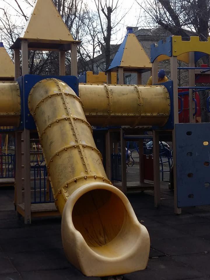 Херсонская детская площадка опасна, фото-1