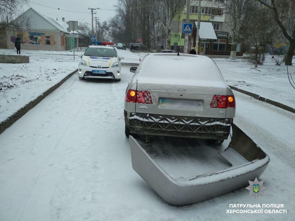 Патрульна поліція Херсона звертає увагу всіх учасників дорожнього руху на погіршення погодних умов, фото-1