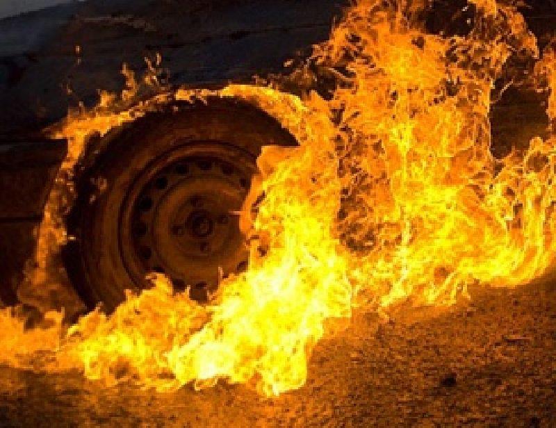 У Херсоні вогнеборці загасили загоряння в іномарці, фото-1