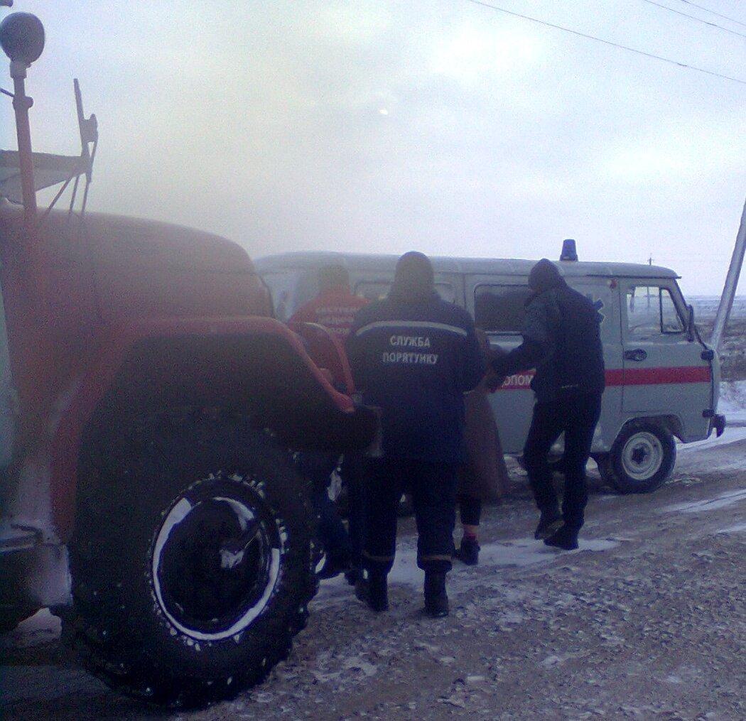 Рятувальники доставили фельдшера до немовляти з високою температурою, фото-1