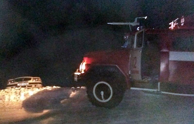 Каланчацькі рятувальники витягнули автівку з кювету, фото-1