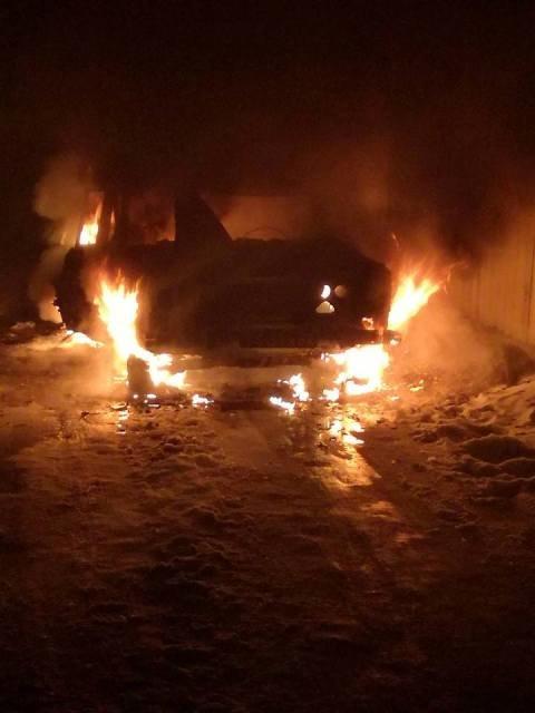 На Херсонщині палав автомобіль, фото-1